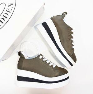 Steve Madden Mal Platform Sneaker Olive NIB Size 5